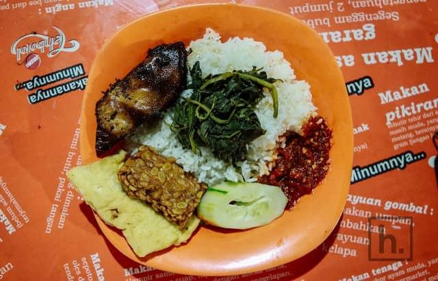 10 Tempat Makan Siang Di Surabaya Murah Tapi Enak Tempat